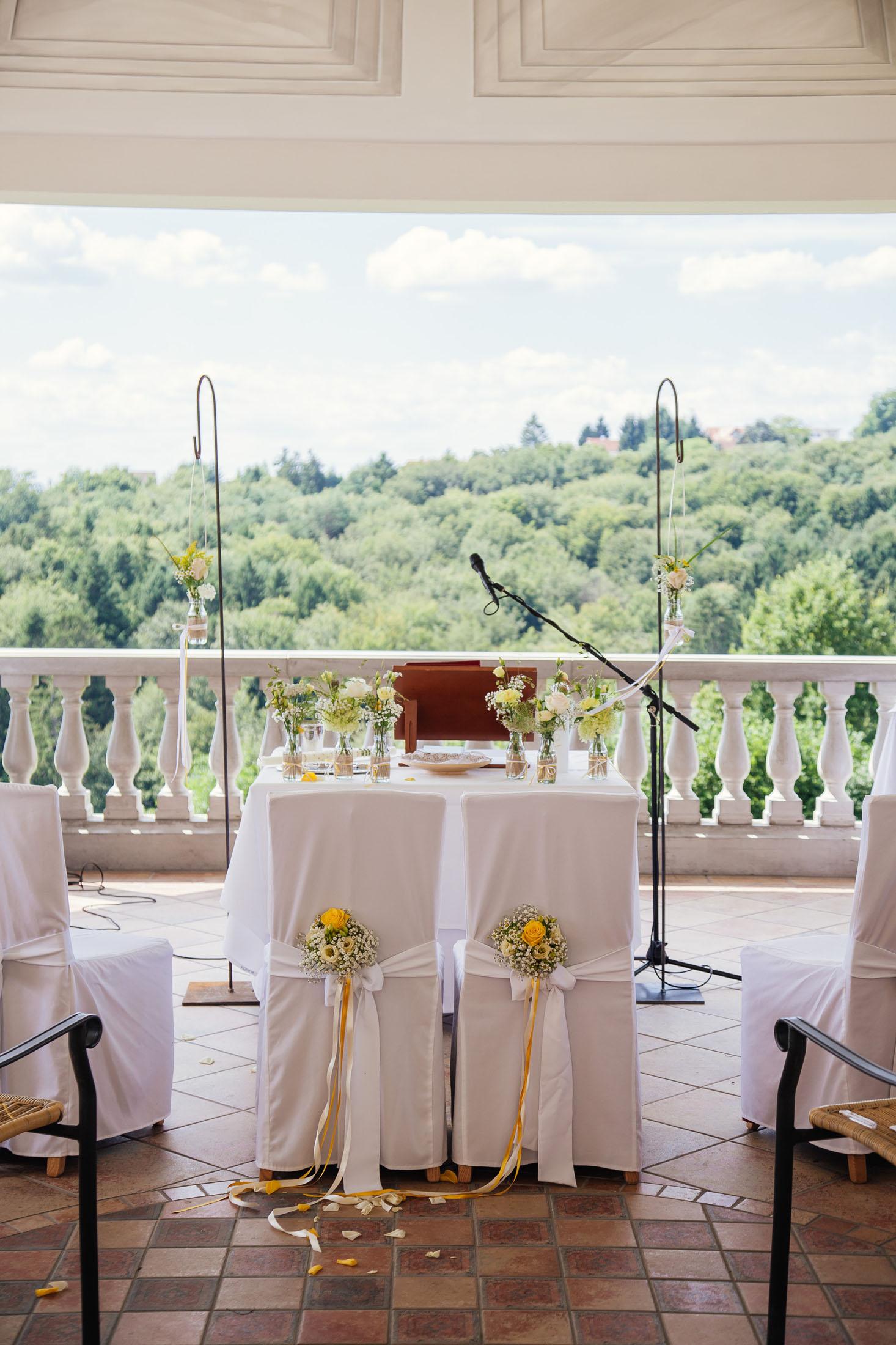 Hochzeit Karina & Johannes Dekoration im Weinschloss Thaller