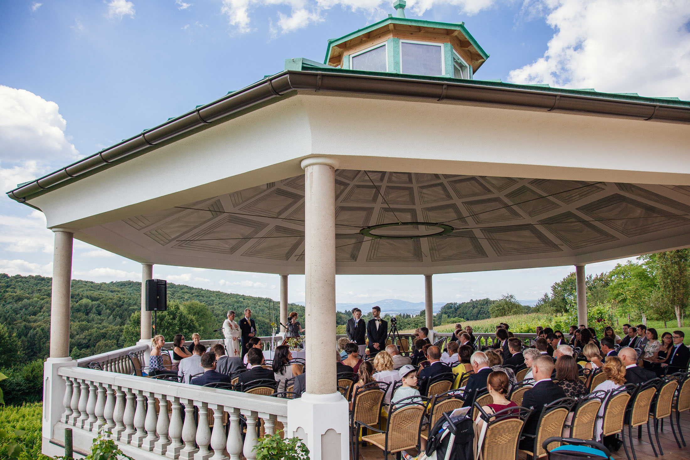 Hochzeit Karina & Johannes im Pavillion im Weinschloss Thaller