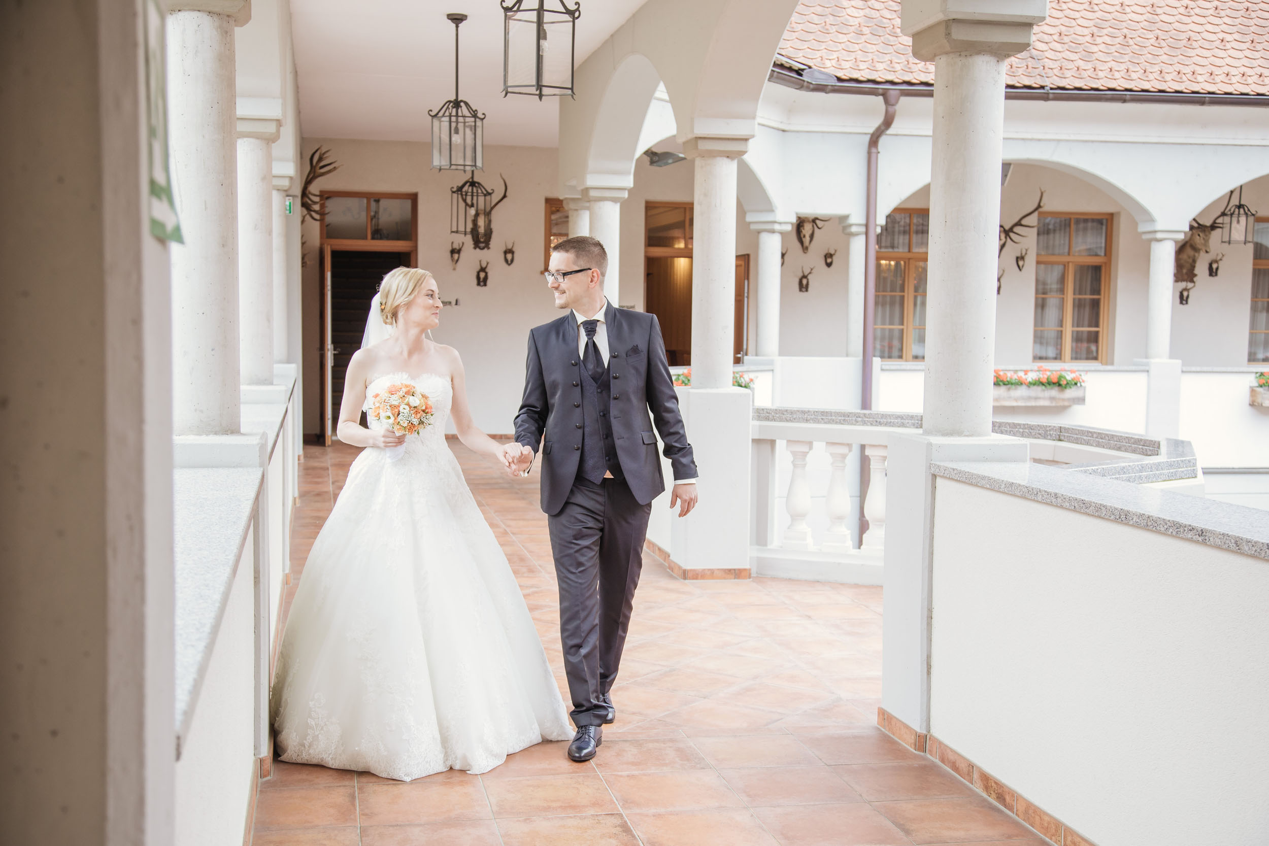 Christine & Robert - Hochzeit im Weinschloss