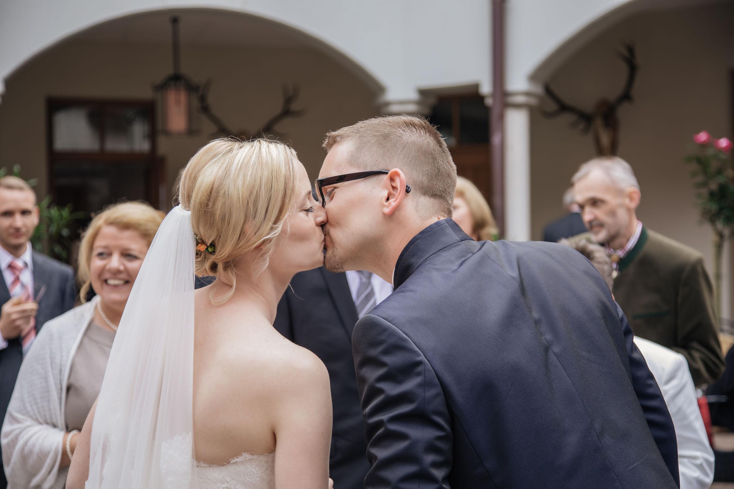Christine & Robert - Kuss